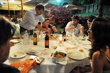 Weinwissen Wieviel Wein Braucht Ein Anlass Delinat