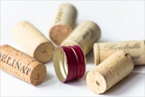 Kork- oder Drehverschluss beim Wein