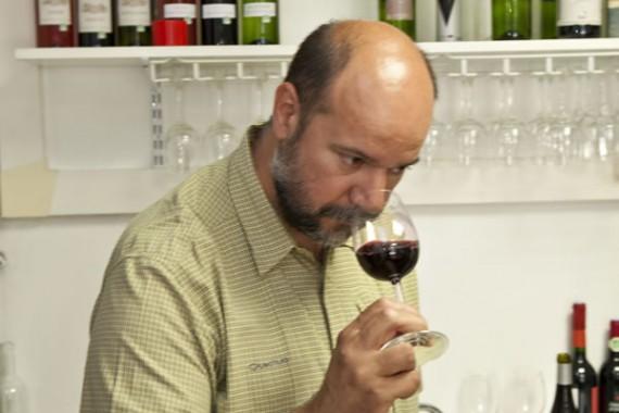 Gilles Louvet bei der Degustation des Canta Rasim
