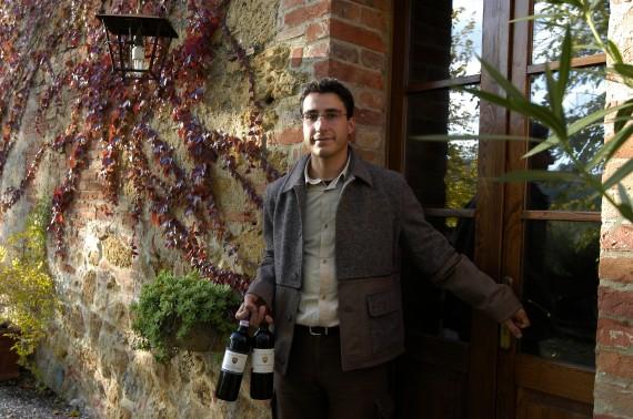 Delinat-Winzer Alberto Brini vor seinem Weinkeller