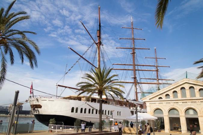 Ein Bild von der letzten Seereise: die Sea Cloud im Hafen von Tarragona