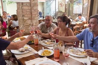 Geniessen Essen und Bardolino: Natalino Fasoli, Emilio Fasoletti, Martina Korak (Delinat) und Amdio Fasoli (v.l.).
