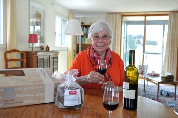 Annemarie Dietrich hat seit vielen Jahren an jedem DegustierService-Paket ihre helle Freude.