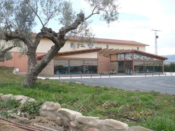 Das neue Empfangs- und Bürogebäude auf dem Weingut Osoti