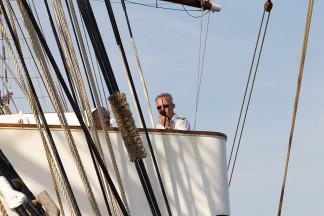 Der Schweizer Kapitän Christian Pfenninger behält stets die Übersicht.
