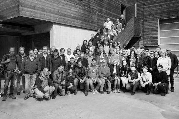 60 Winzerinnen und Winzer trafen sich im April 2014 auf dem Weingut Meinklang im Burgenland.