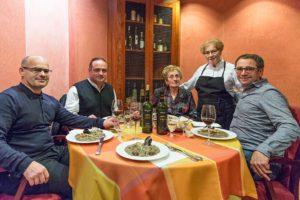 Essen und Vinya Laia