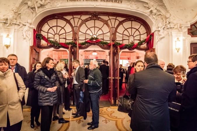 Nach der Preisverleihung: Empfang im Hamburger Schauspielhaus - mit Wein von Delinat.