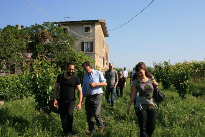 Auf dem Weingut Salustri wird deutlich, wie Naturvielfalt im Rebberg aussieht.