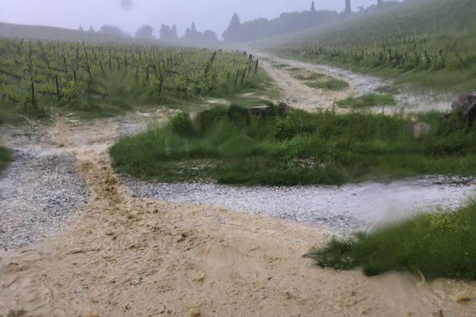 Heftiges Hagelunwetter auf dem Weg nach Badia a Coltibuono.