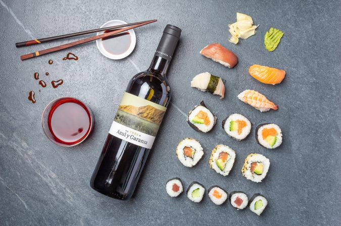 Sushi mit Rotwein