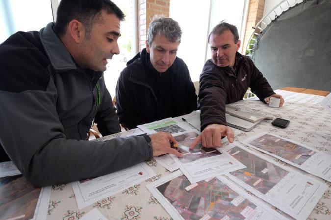 Planung des ersten Retentionsbecken nach den Prinzipien der Permakultur.